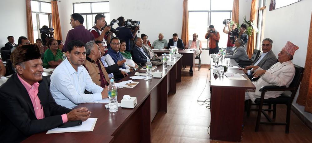 गोविन्द केसीको माग पूरा गर्न कांग्रेस नेताहरुको माग