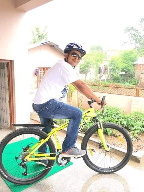 प्रदेश सरकारको साइकल सहर : प्रमुख प्रशासकीय अधिकृत ढकाल साइकलमा